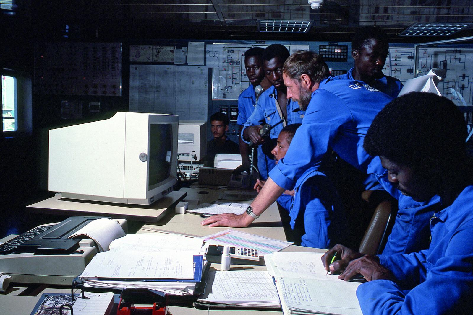 During the 1980s, the training center established at the base in Soyo played a major role in providing training to generations of technicians working offshore.
